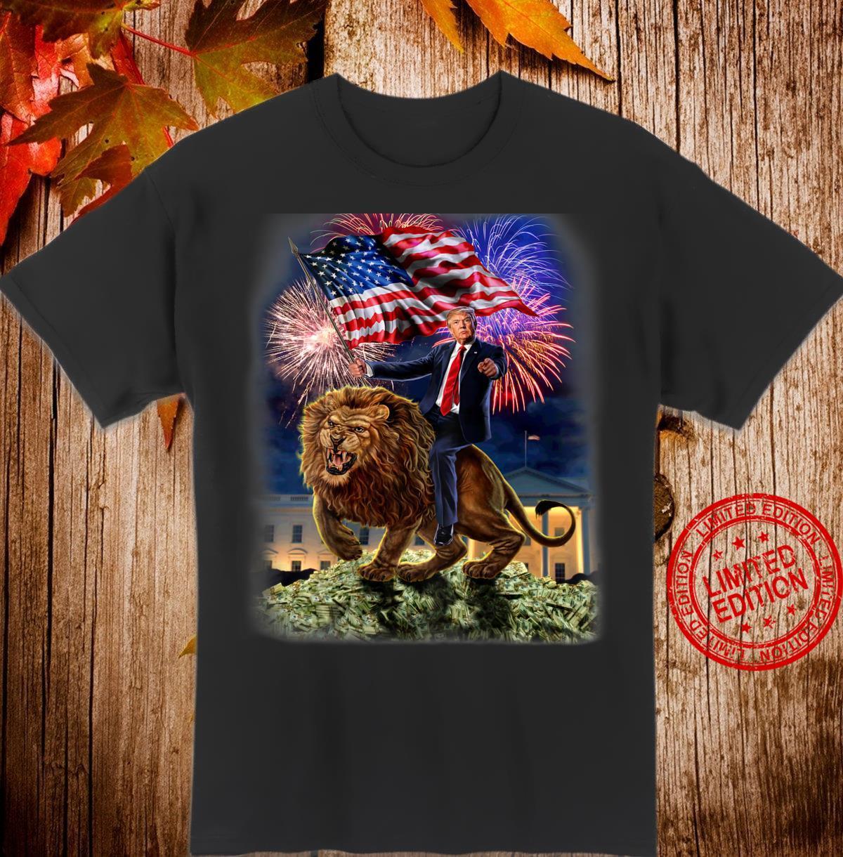 USPräsident Donald Trump reitet einen wilden Löwen Shirt