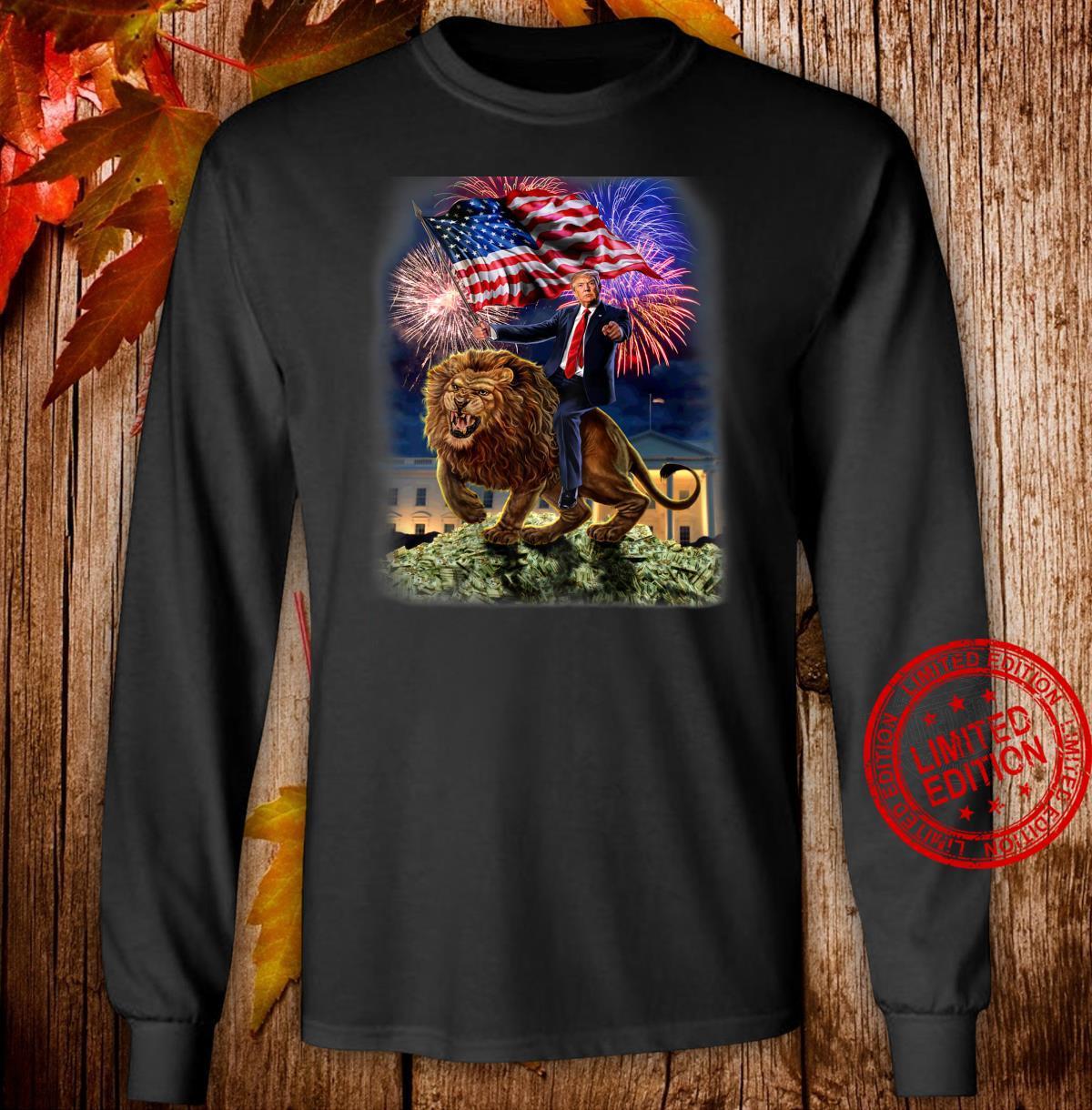 USPräsident Donald Trump reitet einen wilden Löwen Shirt long sleeved